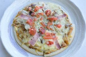 黒にんにくピザ