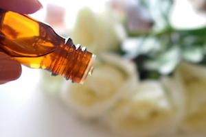 香りを楽しみながら続けられるアロマ介護予防トレーニング